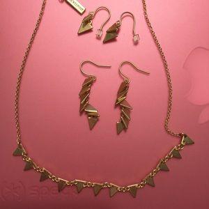 Jewelmint Bracelet with earrings