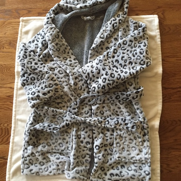 064f708b1eb6 PINK Victoria's Secret Jackets & Coats | Vs Pink Plush Leopard Robe ...