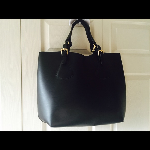 e4c8934a4d092 Varriale Bags   Black Leather Tote   Poshmark