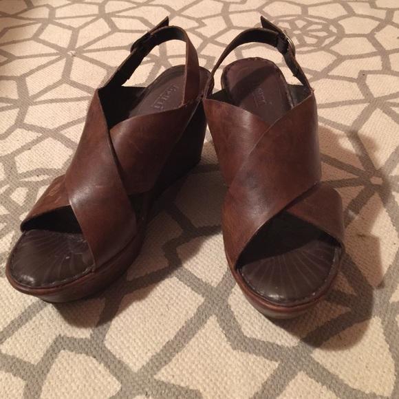 334536517db Born Shoes - Born Emmy Wedge Sandals