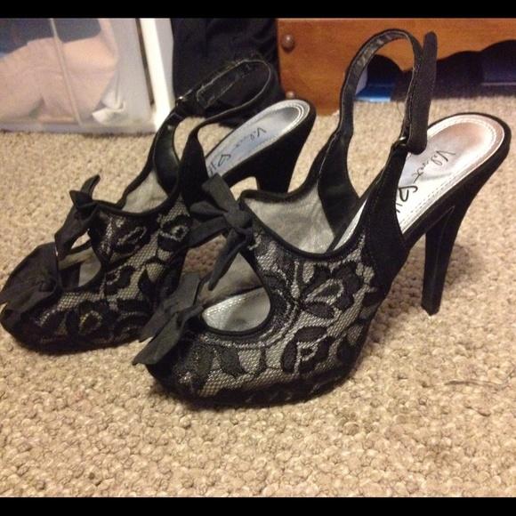 33% off Velvet Heart Shoes - Velvet Heart- Lace, Bow Small ...