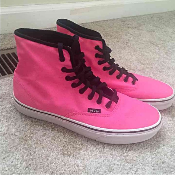 a7386ef2a34d High Top Hot Pink Vans. M 55d67ee5713fde49bd009275