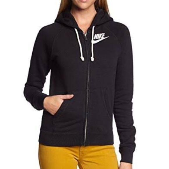 00c89f3eda70 💥Reduced💥Nike Rally full zip hoodie