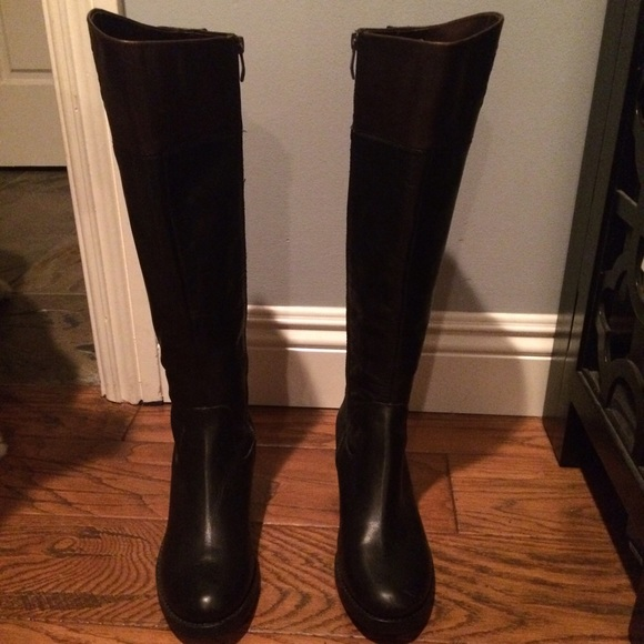 52 vince camuto boots vince camuto black and brown