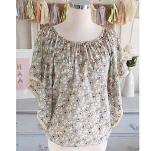 Forever 21 Tops - Flowy Floral Peasant Blouse