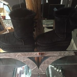 Shoes - Black uggs