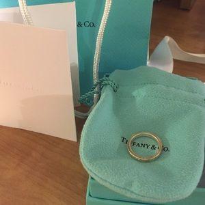 NEW Tiffany Notes ring size 6