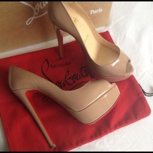 % Authentic Christian Louboutin Lady Peep Nude