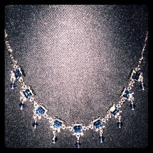 Jewelry - Silver toned necklace w dangly blue gems