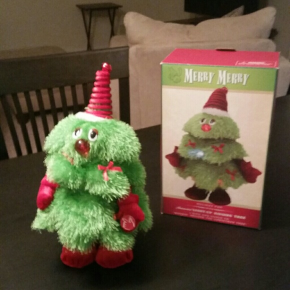 Singing Christmas Tree.Sold Light Up Dancing Singing Christmas Tree Nwt