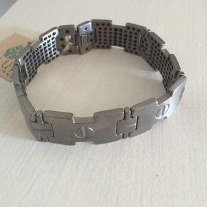 Other - Super cool Titanium men's bracelet BNWT!