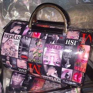 Handbags - NWT Magazine barrel purse - LOWEST