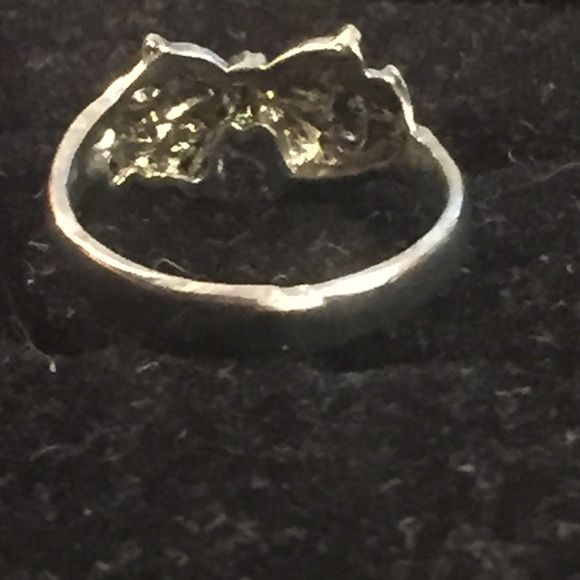 47 off jewelry cute bow ring from alyssas closet on