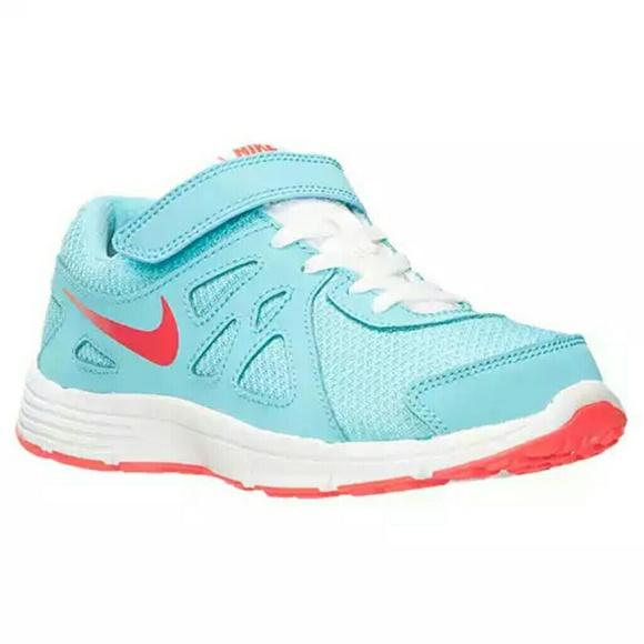 Brand New Girls Nike Revolution 2 Shoes Size 12