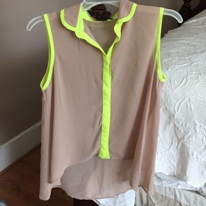 Tops - Tan high lo top with neon design
