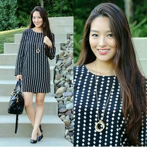 Dresses & Skirts - Darling printed shift dress