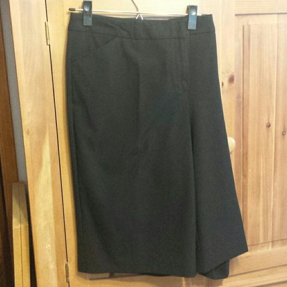 63 Off Worthington Pants Pedal Pusher Length Black
