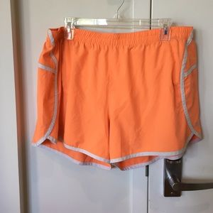GAP Pants - Orange GapFit Gstride Shorts