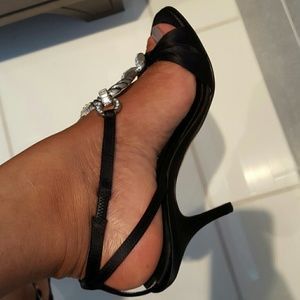 Giuseppe Zanotti Shoes - AUTHENTIC Giuseppe Zanotti Sandals. Never Worn!