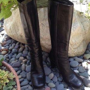 Via Spiga Shoes - REDUCED🎉HP 12/22🎉VIA SPIGA Black Knee Boots