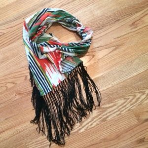 Tribal print neck scarf with fringe