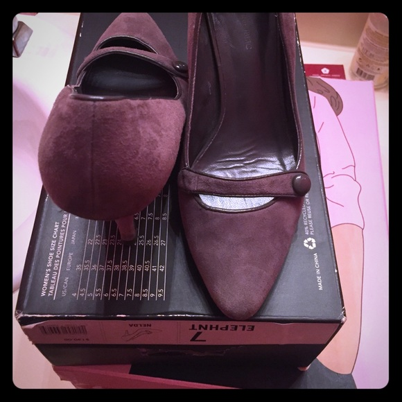 Banana Republic Shoes - BR suede pumps