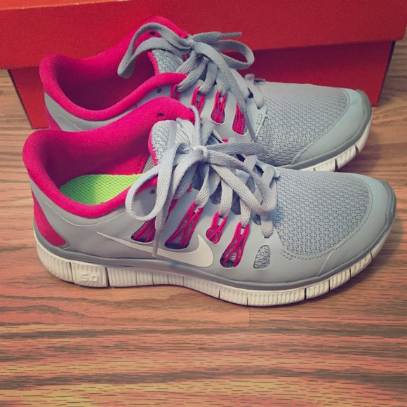 detailing f6db2 9f4a6 Nike Shoes - Nike Free 5.0+ Wolf Grey Pink Force White