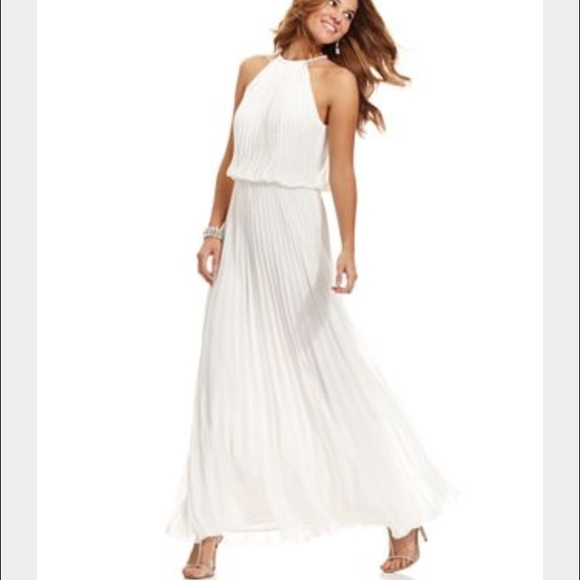 81% off Xscape Dresses & Skirts - Xscape White Pleated Maxi Dress ...