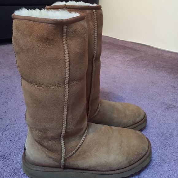 Uggs Women's Classic Tall Chestnut