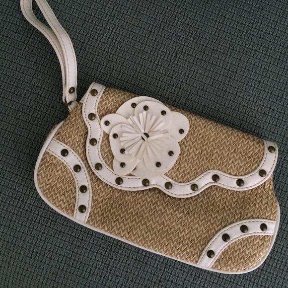 Limited Edition Bags - Raffia clutch with wrist strap