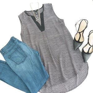 Black & White Sleeveless Tunic