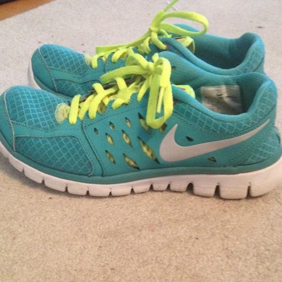 1fac423e0d5 Nike shoes flex run poshmark jpg 580x580 Flex run 2013