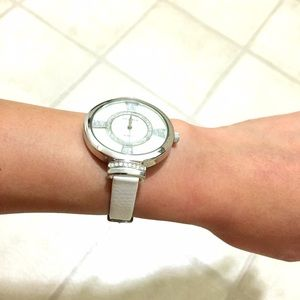 Accessories - Classy women's watch with white leatherlike strap