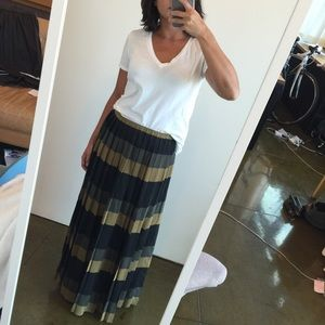 Madewell Dresses & Skirts - Madewell Silk Pleated Maxi Skirt size XS