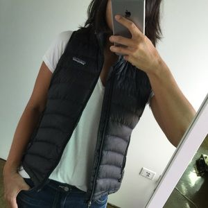 Patagonia Outerwear - Patagonia slim sweater down vest in black size XS