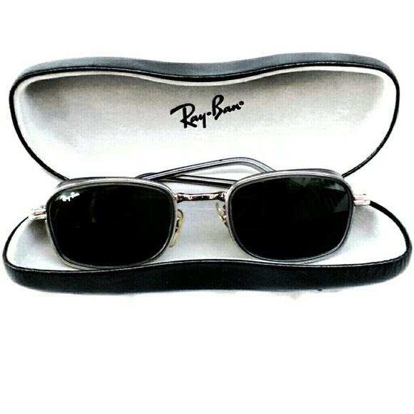 2ca88ad719d5 Vintage Ray-Ban Sidestreet Square Sunglasses. M_560efb09d6b4a1be24004ff9