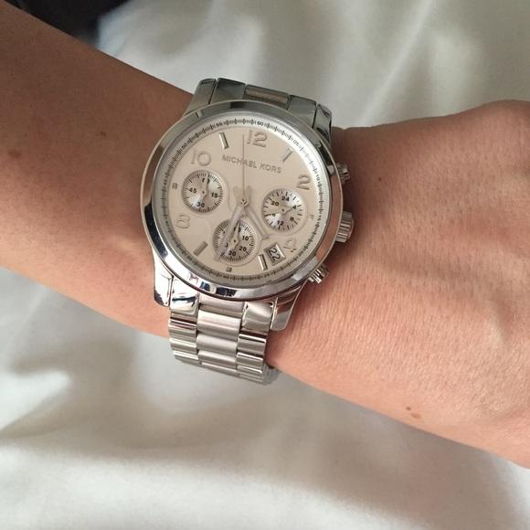 76b6160ca934 Michael Kors silver runway watch. M 55daa71e4225be44b001ff9e