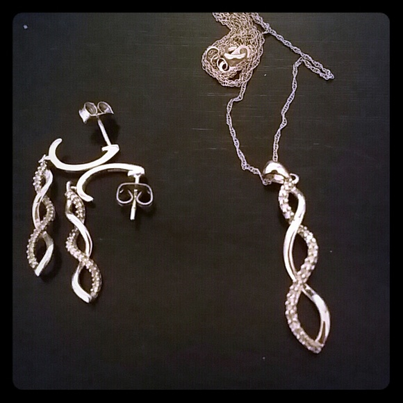 Zales Diamond Earring And Necklace Set