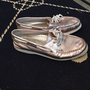 Rose gold sperry topsider boat shoe