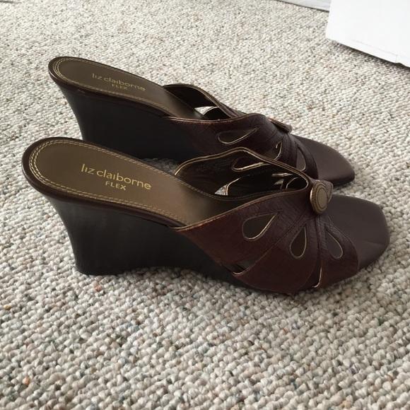 liz claiborne liz claiborne brown and gold wedge sandals