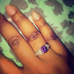 Jewelry - Purple stone ring