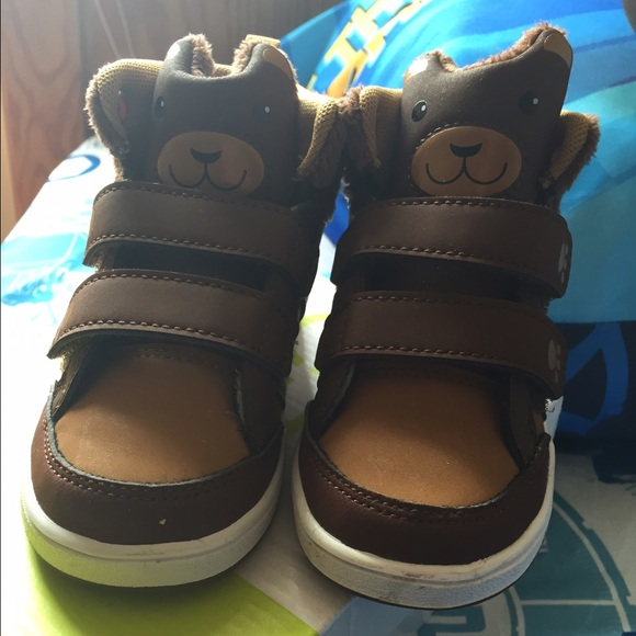 Adidas toddler shoes size 6c!