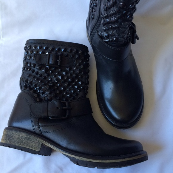 f4200fe0c56 Marcoo studded Moto boots by Steve Madden NWT