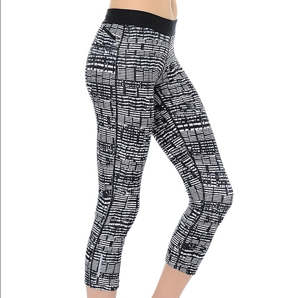 71% off Nike Pants - Brand new Nike leggings with pockets from Lolou0026#39;s closet on Poshmark