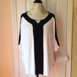 a68632d1b31c ... Chicos White with black trim short sleeve top ...