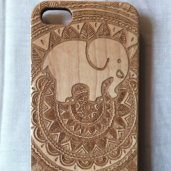 ce1f26e87 ivory ella Accessories - IVORY ELLA WOODEN iPHONE 5 5s CASE!