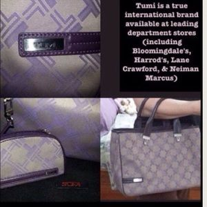 Tumi Handbags - TUMI Signature W/ Coin purse