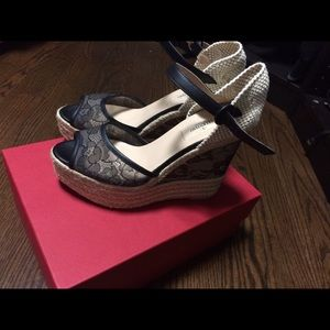 Authentic Valentino garavani pumps