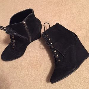 Super cute black wedge lace up booties size 6