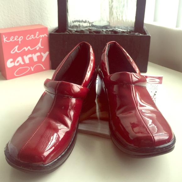 B.O.C. Dark Red Patent Clogs Shoes Slip-ons BOC
